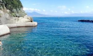 Bagni Rocce Verdi Napoli : Top 5 luoghi dove fare il bagno a napoli napoli official tour